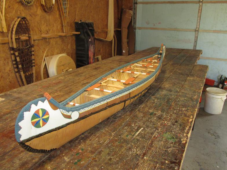 Model Voyageur Canoe